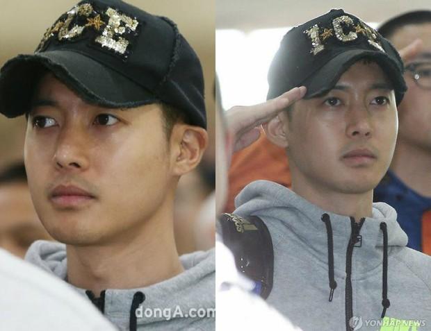 Dàn mỹ nam xứ Hàn khi vào quân ngũ: Người đẹp xuất sắc như đóng phim, kẻ xập xệ đến mức khó nhận ra - Ảnh 22.
