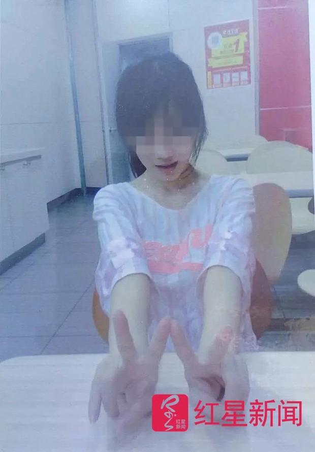 Từ chối tình cảm của gã đàn ông U60, hot girl mạng xã hội bị fan cuồng đâm liên tiếp 90 nhát dao - Ảnh 2.