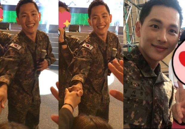 Dàn mỹ nam xứ Hàn khi vào quân ngũ: Người đẹp xuất sắc như đóng phim, kẻ xập xệ đến mức khó nhận ra - Ảnh 19.