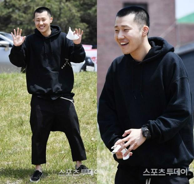Dàn mỹ nam xứ Hàn khi vào quân ngũ: Người đẹp xuất sắc như đóng phim, kẻ xập xệ đến mức khó nhận ra - Ảnh 28.