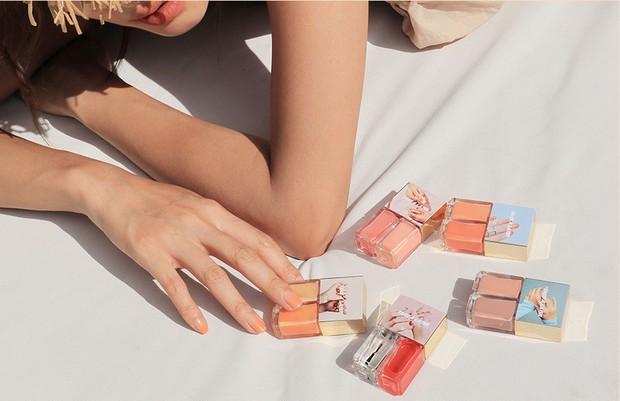 3CE vừa ra mắt BST mới gồm son, phấn má, sơn móng toàn màu mùa hè trong veo với giá chỉ từ 200.000 VNĐ - Ảnh 17.