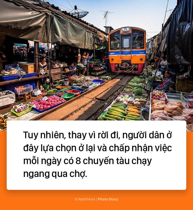 Ở Thái Lan có 1 khu chợ nằm chình ình ngay trên đường ray tàu hỏa - Ảnh 7.