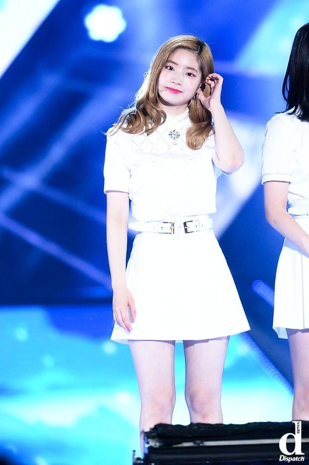 Top thần tượng Kpop sở hữu làn da đúng chuẩn đậu phụ theo Dispatch: Idol nam không kém cạnh idol nữ - Ảnh 4.