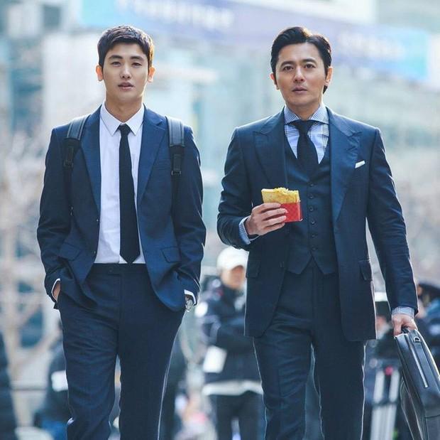 Ngắm dàn nam chính đang hot nhất màn ảnh Hàn mặc vest mới thấy thực sự là cực phẩm - Ảnh 8.