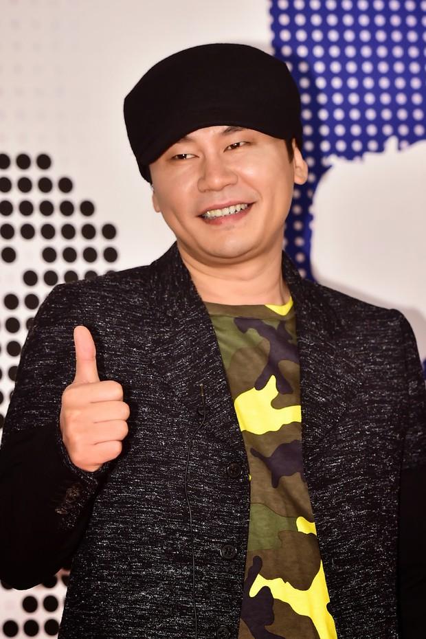 Học PR kiểu bố Yang YG: Dùng 1000 cái hashtag trên Instagram, caption dài như một cái sớ - Ảnh 1.