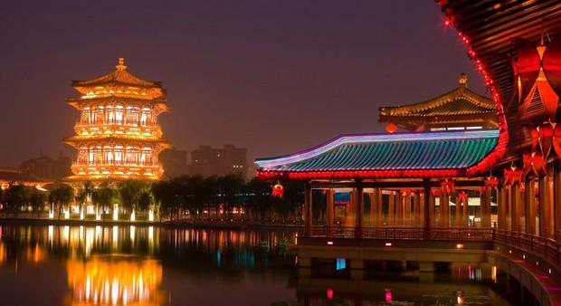 Công viên Trung Quốc miễn phí vé vào cửa cho những cô gái nặng trên 61,8 cân với thông điệp phúc hậu mới là vẻ đẹp chuẩn mực - Ảnh 1.