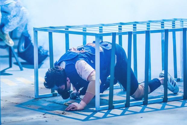 Trấn Thành - Hari Won hôn nhau trước thử thách nguy hiểm về cháy nổ - Ảnh 6.