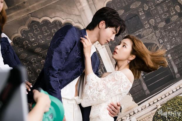 7 cặp đôi phim Hàn chuyển thể từ truyện tranh nổi tiếng: Cặp nào giống bản gốc nhất? - Ảnh 4.
