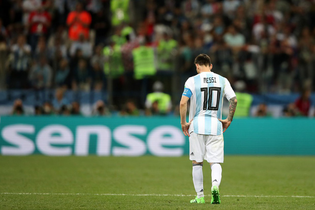 Có một Messi bất lực, đáng thương trong ngày thảm bại của Argentina - Ảnh 12.