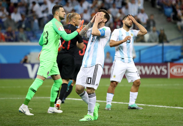 Có một Messi bất lực, đáng thương trong ngày thảm bại của Argentina - Ảnh 5.