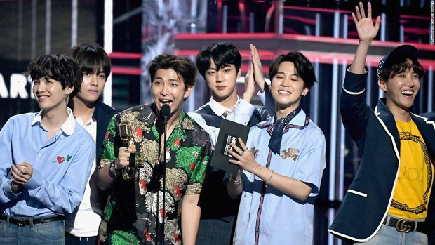 Top nhân vật rung chuyển ngành công nghiệp âm nhạc Hàn: BTS vượt EXO, TWICE bỏ xa Black Pink, bất ngờ nhất là Wanna One - Ảnh 1.