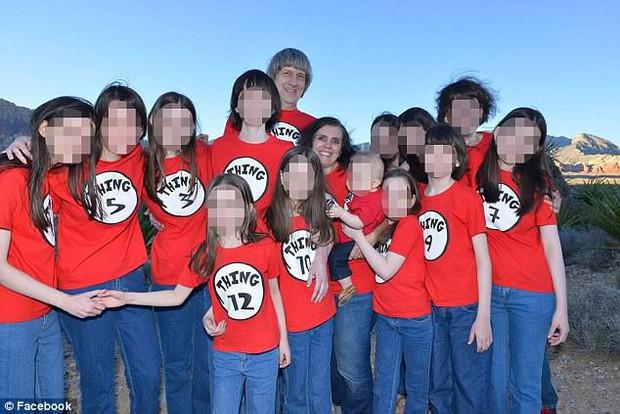Tình tiết mới vụ án 13 đứa trẻ nhà Turpin: Các nạn nhân phải ăn bánh quy mốc hàng ngày, bị bóp cổ và tra tấn vì nghe nhạc Justin Bieber - Ảnh 2.