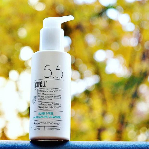 4 bí quyết giúp cấp ẩm đủ đầy cho da mà không sợ bít tắc lỗ chân lông  - Ảnh 3.
