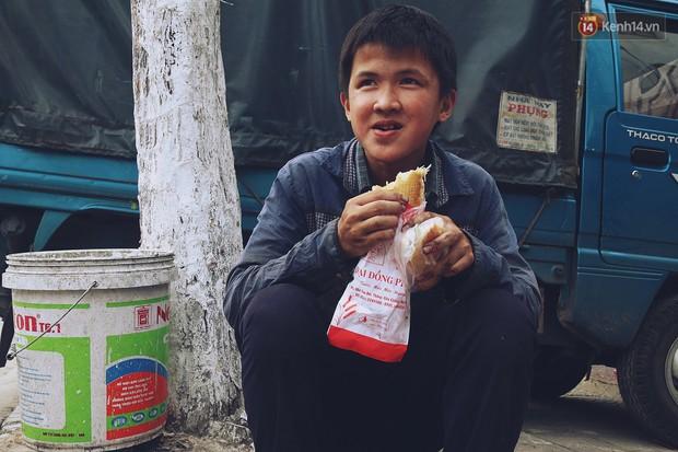 Chuyện của Thịnh: Cậu bé 16 tuổi ngày ngày nhặt rác trên đường phố Đà Nẵng vẫn luôn nở nụ cười - Ảnh 8.