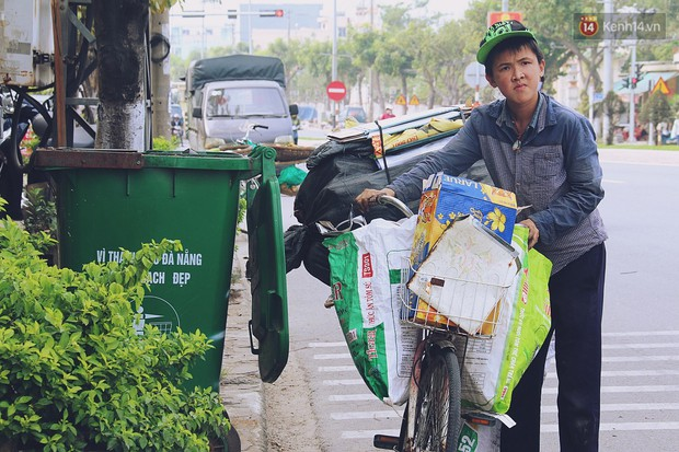 Chuyện của Thịnh: Cậu bé 16 tuổi ngày ngày nhặt rác trên đường phố Đà Nẵng vẫn luôn nở nụ cười - Ảnh 5.