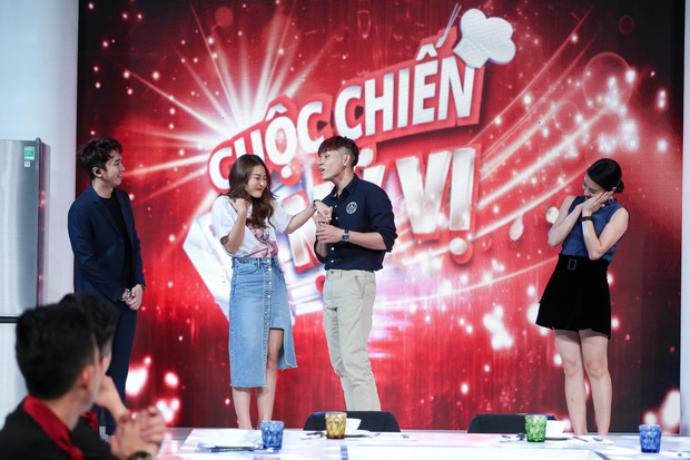 Khả Ngân khoe tửu lượng, đóng cảnh say rượu, nũng nịu Jun Phạm trên sóng truyền hình - Ảnh 4.