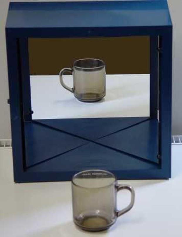 Bạn thực sự trông như thế nào trong mắt người khác? Đây là chiếc gương giúp bạn biết được điều đó - Ảnh 3.