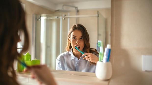 Sửa ngay những thói quen tưởng vô hại nhưng lại âm thầm tàn phá hàm răng của bạn - Ảnh 5.