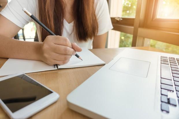 5 tuyệt chiêu giúp bạn lấy điểm tuyệt đối môn Ngữ văn trong kì thi THPT Quốc gia năm 2018 - Ảnh 5.