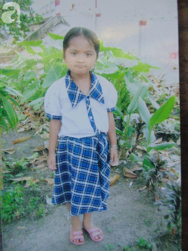 Bé gái bị tạt axit năm 7 tuổi vì mẹ giật chồng người khác: Con từng nghĩ sẽ không sao, nhưng giờ con biết con bị mù thật rồi  - Ảnh 5.