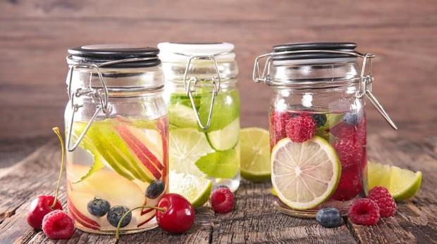 5 cách thông minh giúp bạn uống nhiều nước hơn mùa hè này - Ảnh 2.