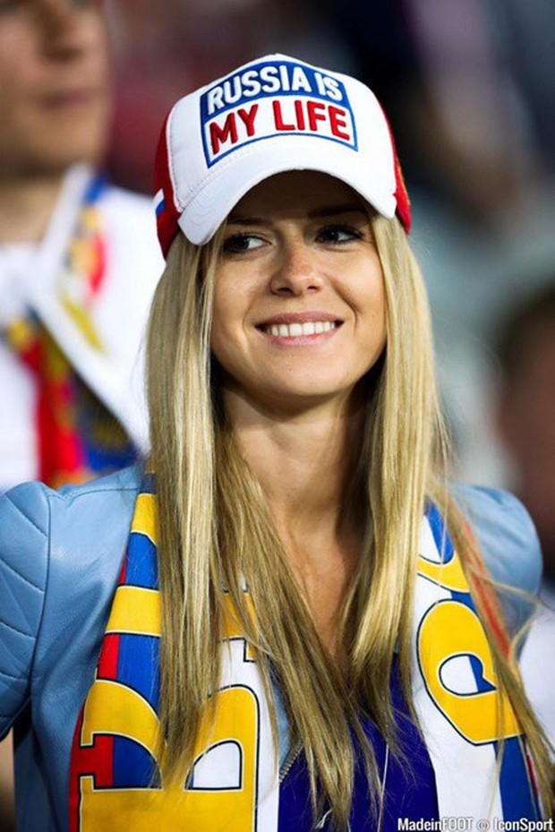 MXH tràn ngập hình ảnh của những nữ cổ động viên xinh đẹp trên khắp khán đài World Cup - Ảnh 18.
