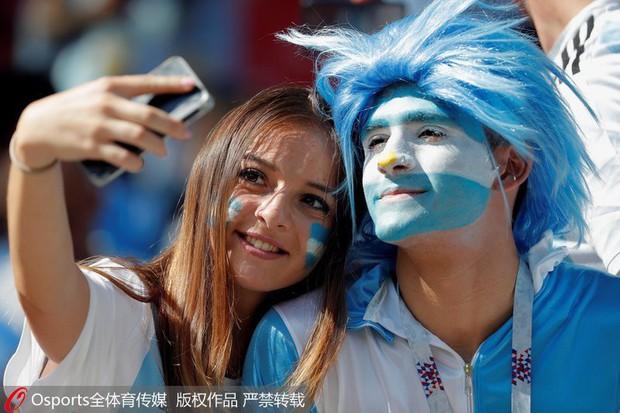 MXH tràn ngập hình ảnh của những nữ cổ động viên xinh đẹp trên khắp khán đài World Cup - Ảnh 11.