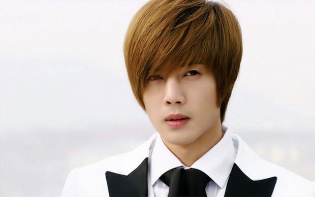 Netizen Hàn mỉa mai trước tin mỹ nam hành hung của Vườn Sao Băng tái xuất bằng... phim tình cảm - Ảnh 1.