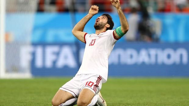 Ronaldo sút hỏng phạt đền, Bồ Đào Nha thoát thua phút 90+5 để giành vé vào vòng knock-out - Ảnh 3.