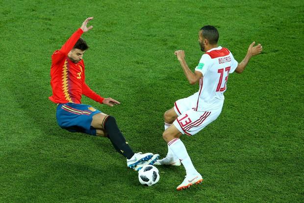 """Bị Tây Ban Nha gỡ hòa, sao Morocco cay cú """"chửi thẳng mặt"""" VAR trên truyền hình - Ảnh 2."""