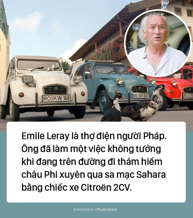 Người đàn ông hô biến ô tô thành xe máy để di chuyển giữa sa mạc Sahara - Ảnh 1.