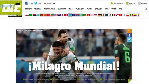 Báo quốc tế quên luôn VAR, ngất ngây khen phép màu Messi, Rojo - Ảnh 3.
