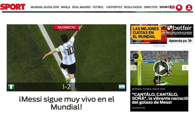 Báo quốc tế quên luôn VAR, ngất ngây khen phép màu Messi, Rojo - Ảnh 7.