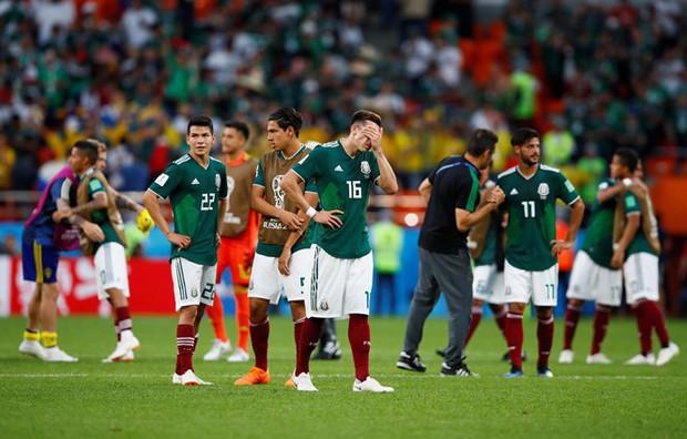 VAR tiếp tục là hung thần tại World Cup 2018 khi góp phần tiễn ĐKVĐ Đức về nước ngay tại vòng bảng - Ảnh 2.