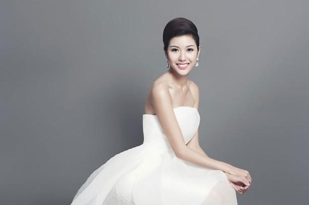 Á hậu Quốc tế Thuý Vân khoe tài đàn hát cực ngọt khi cover nhạc phim Tháng năm rực rỡ - Ảnh 3.