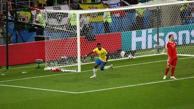 Neymar kiến tạo, Brazil có lần thứ 13 liên tiếp vào vòng knock-out World Cup 2018 - Ảnh 3.
