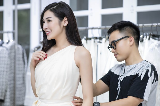 Á hậu Tú Anh ngày càng đẹp trước đám cưới, cùng Đỗ Mỹ Linh và dàn Hoa hậu tới thử đồ cho show của NTK Hà Duy - Ảnh 2.