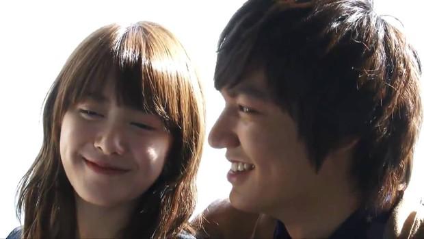 10 cặp đôi hoàng tử - lọ lem khiến dân tình điêu đứng nhất màn ảnh xứ Hàn (Phần cuối) - Ảnh 1.