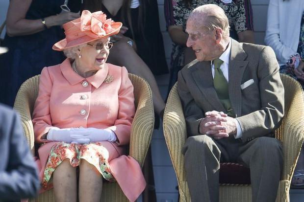 Hoàng tử bé Louis sẽ được rửa tội vào ngày 9/7, ít người biết đó là một ngày kỷ niệm đặc biệt của Nữ hoàng Anh - Ảnh 3.