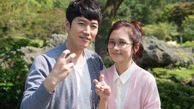 10 cặp đôi hoàng tử - lọ lem khiến dân tình điêu đứng nhất màn ảnh xứ Hàn (Phần cuối) - Ảnh 5.