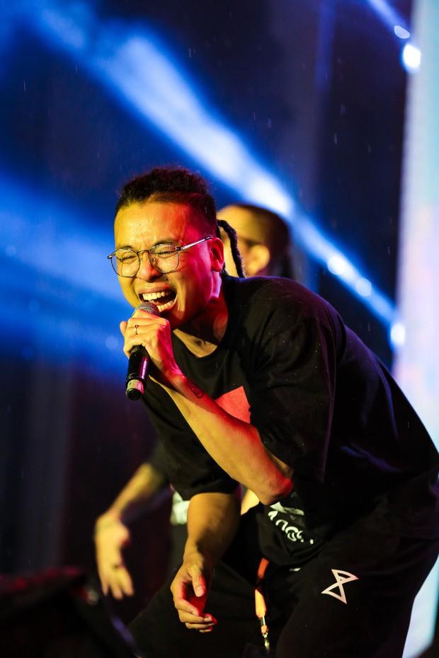 Da LAB tung MV Luôn Là Mình ghi lại quá trình thực hiện show ở TP HCM - Ảnh 4.