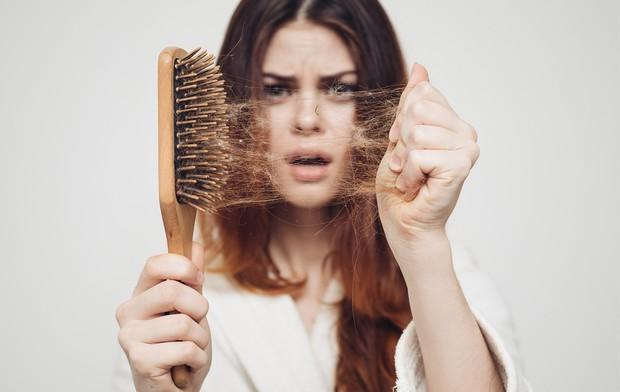 Mái tóc xuống sắc cũng có thể ngầm cảnh báo những vấn đề sức khỏe mà đôi khi bạn không nhận ra - Ảnh 1.