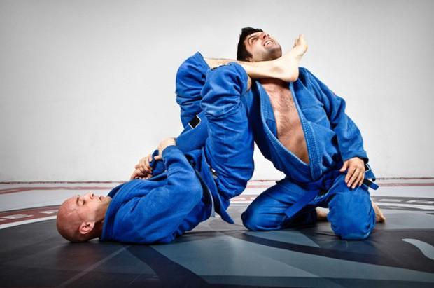 Đoàn Anh Tú: Từ nhân viên bảo vệ đến giấc mơ võ sĩ đẳng cấp thế giới - Ảnh 1.