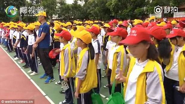 Trung Quốc: Xử án tội phạm ma túy trước mặt học sinh - Ảnh 4.