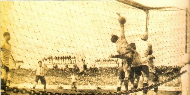 Giải mã lịch sử bàn thắng Olympic, siêu phẩm hiếm có được ghi trực tiếp từ chấm phạt góc - Ảnh 6.