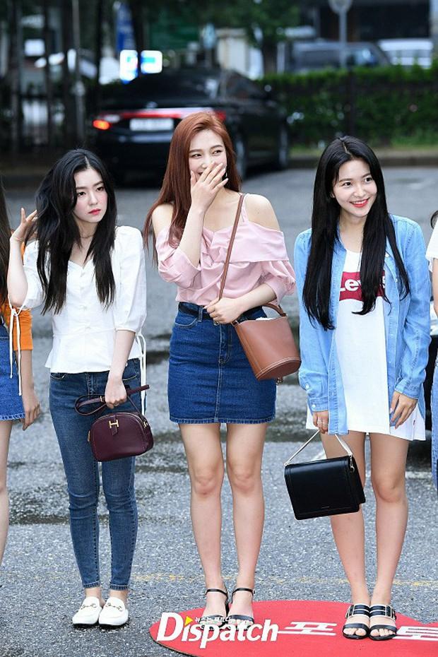 Quân đoàn trai xinh gái đẹp Kpop cùng đổ bộ: 2 nữ thần Red Velvet đọ với dàn nữ tân binh nhà Cube, G-Friend lép vế - Ảnh 1.