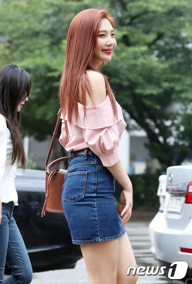 Quân đoàn trai xinh gái đẹp Kpop cùng đổ bộ: 2 nữ thần Red Velvet đọ với dàn nữ tân binh nhà Cube, G-Friend lép vế - Ảnh 3.