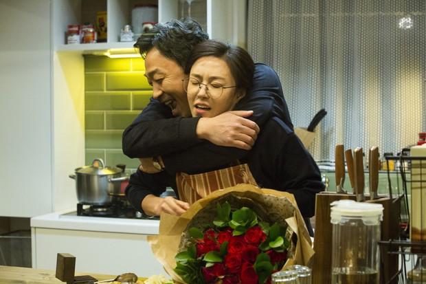Phim 18+ của Song Ji Hyo Khi Đàn Ông Muốn: Tô vẽ, coi nhẹ ngoại tình đến bực mình! - Ảnh 3.