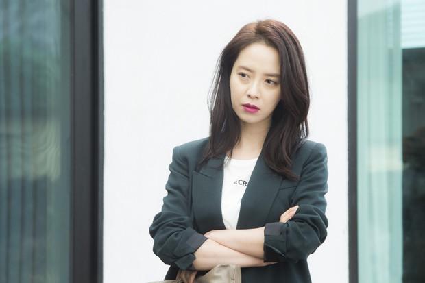 Phim 18+ của Song Ji Hyo Khi Đàn Ông Muốn: Tô vẽ, coi nhẹ ngoại tình đến bực mình! - Ảnh 5.