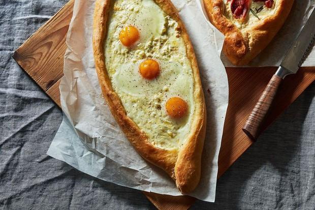 Độc đáo chiếc bánh mì trứng chỉ có tại đất nước Georgia - Ảnh 6.